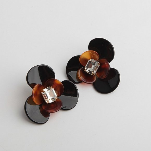 henri bendel Jewelry - Henri Bendel Amber Resin Double Flower Earrings